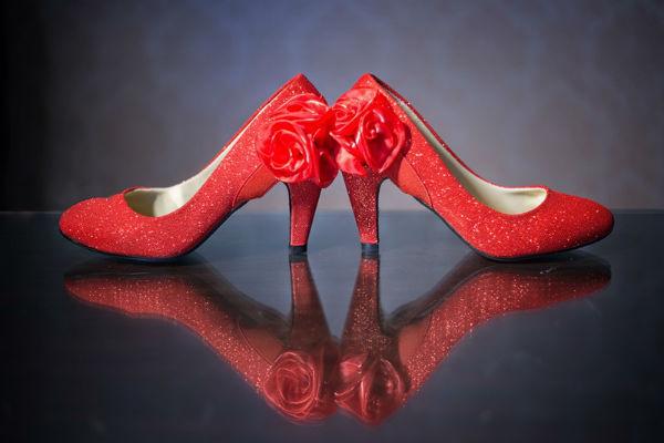 拍婚纱照穿什么鞋子好?拍婚纱照攻略