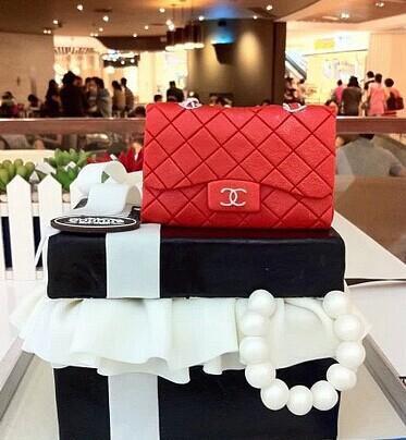 新娘包包要怎么选择 婚礼猫教你怎么选新娘手袋