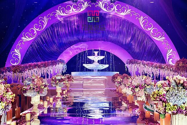 紫色主题婚礼布置 高雅唯美自然流露