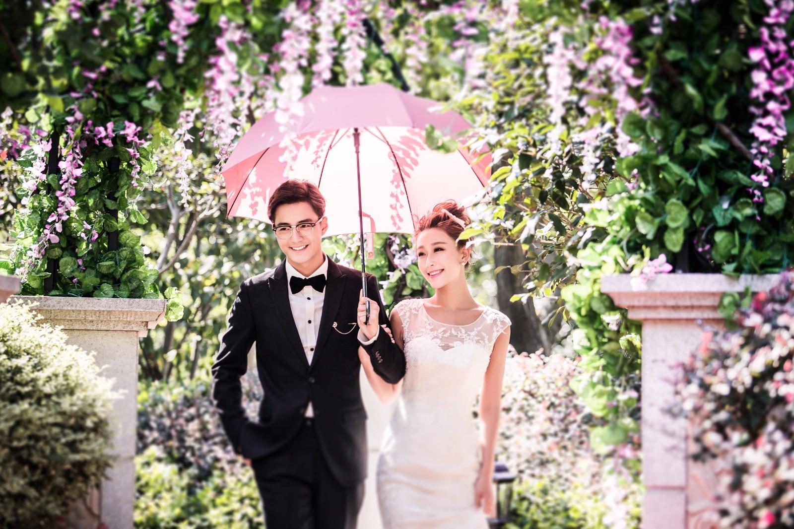 结婚祝福语大全,朋友和亲人的祝福语是不同的