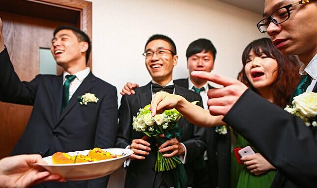婚礼游戏之结婚游戏大玩法 伴娘堵门游戏学起来