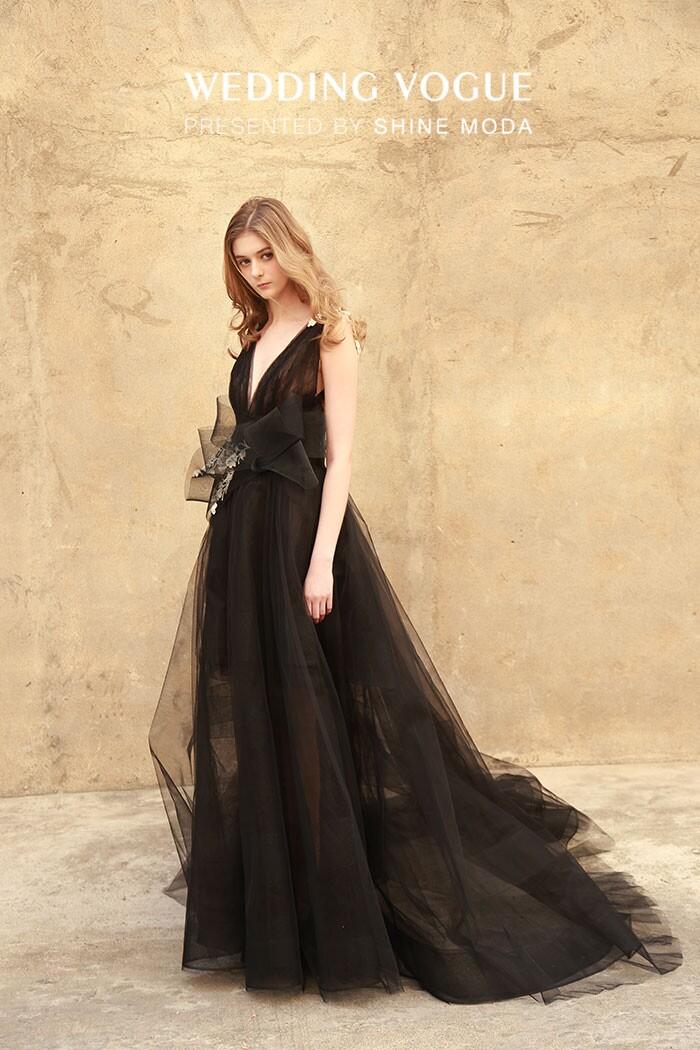 做个魅力高冷的女性 选个黑色婚纱拍婚照!