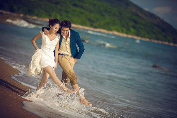 三亚旅拍婚纱照如何挑选婚纱礼服?