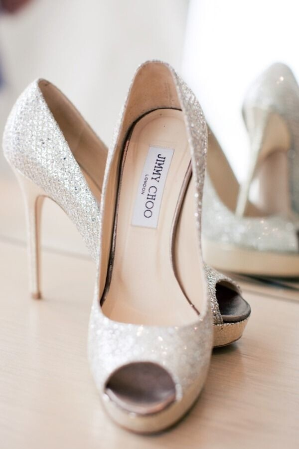 浅色系列新娘婚鞋,带你步入幸福之门!