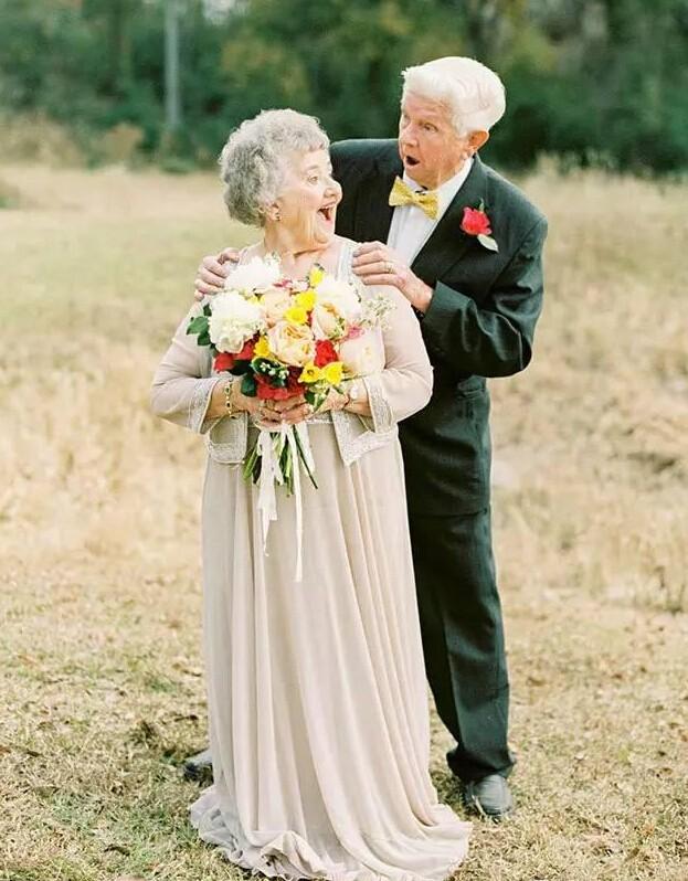 婚礼结束后还可以这么处理婚纱?!