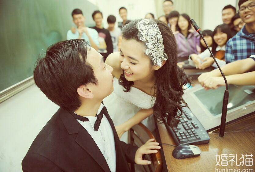 个性学校主题婚礼 举办一场书香味婚礼