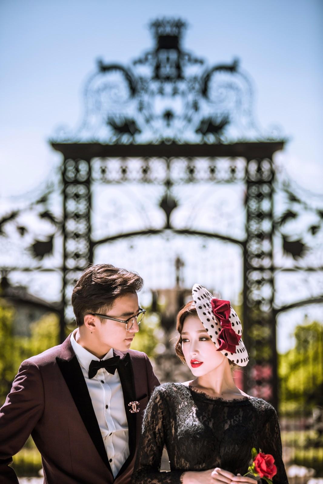 丽江拍婚纱照多少钱,它的价格在全国来说是比较划算的