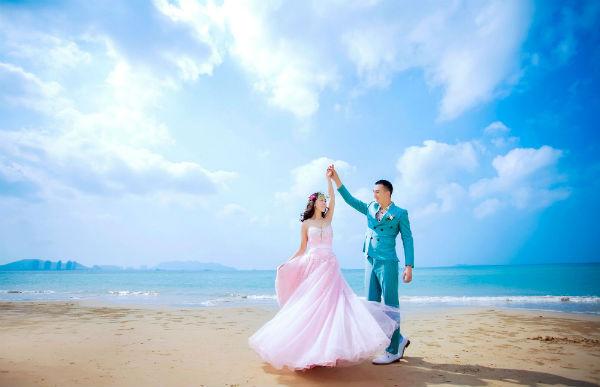 三亚婚纱摄影矮个子新娘如何拍出高度?