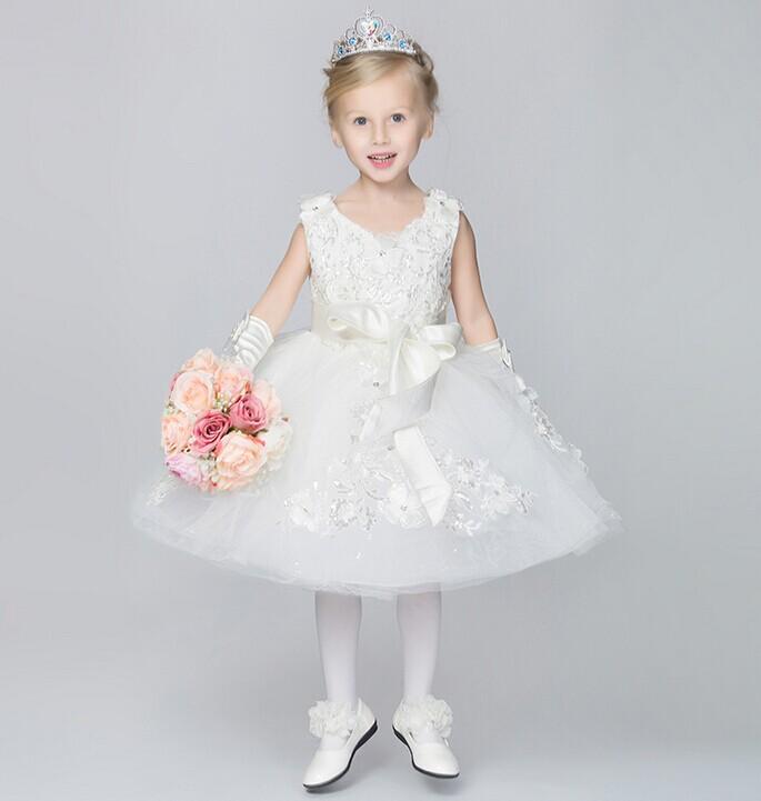 婚礼花童要如何穿着 婚礼上独特的风景线