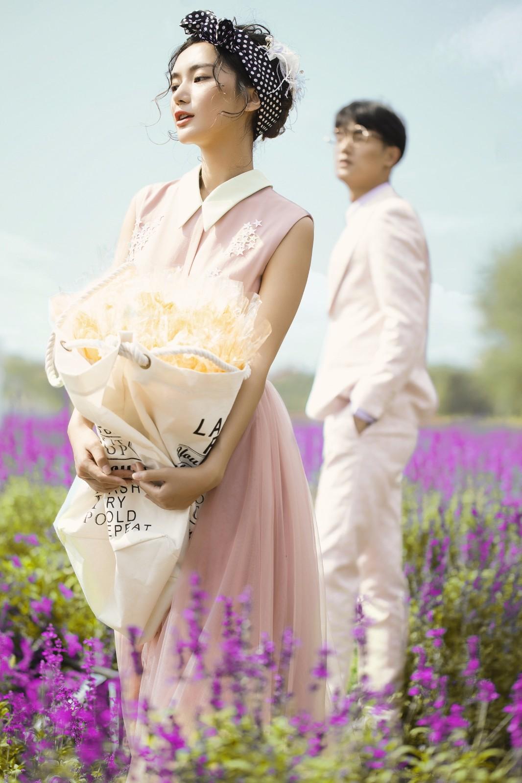 秀禾服,成为了很多中式婚礼新娘礼服