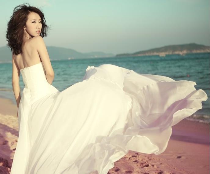 简约复古的孕新娘婚纱 准妈妈新娘也很美