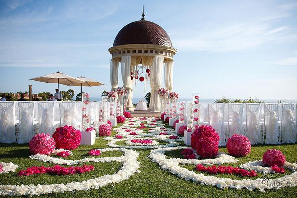 传统婚礼未免太闷,来看看婚礼流行形式有哪些