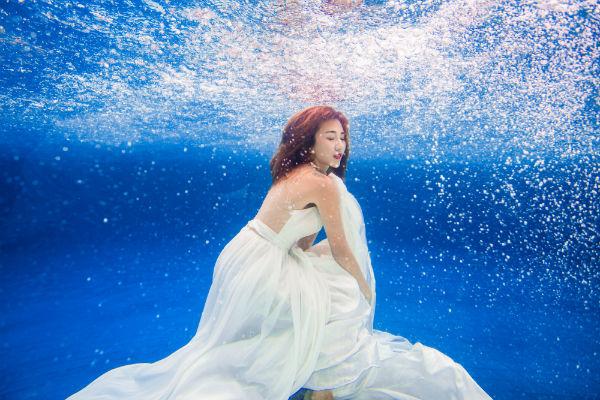 水下婚纱照怎么拍?哪里可以拍水下婚纱照