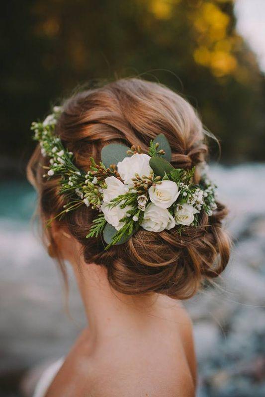 这些清新小物为你的婚礼发型加分!