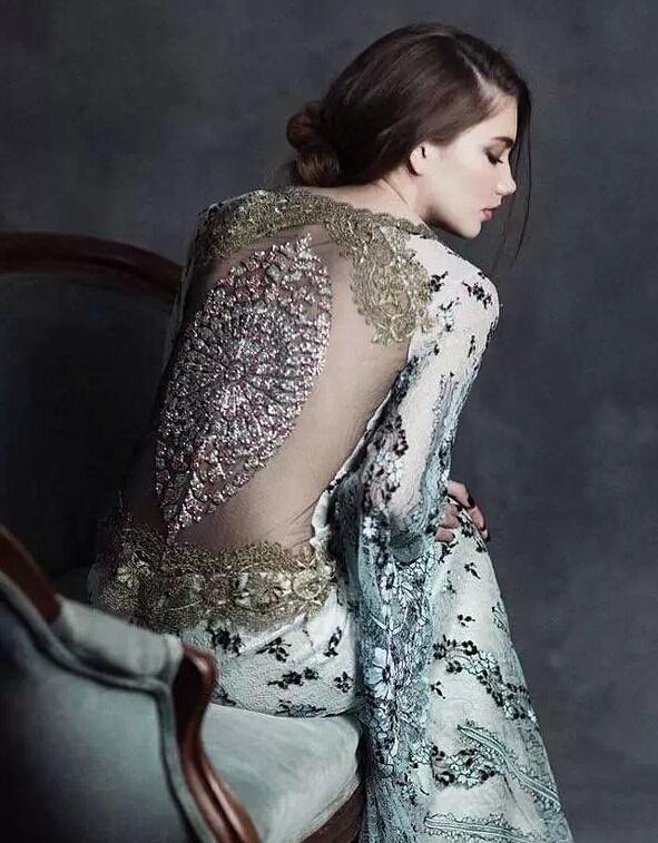 婚宴网分享婚纱背部设计美图 让人惊艳到不行的新娘背部风情