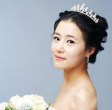 16款超梦幻新娘头饰给你婚礼造型灵感!