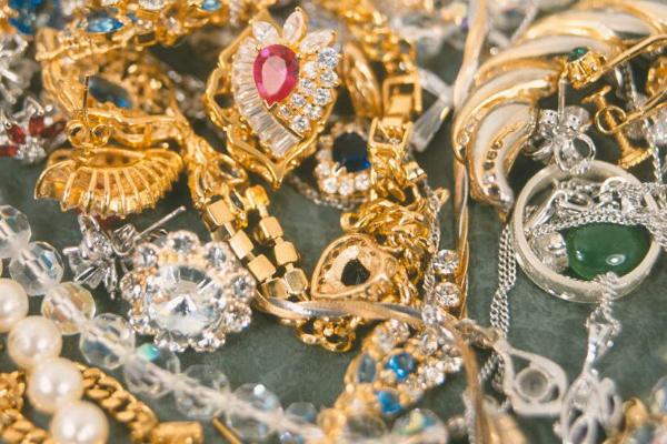 这些珠宝保养细节问题,你都注意到了吗?