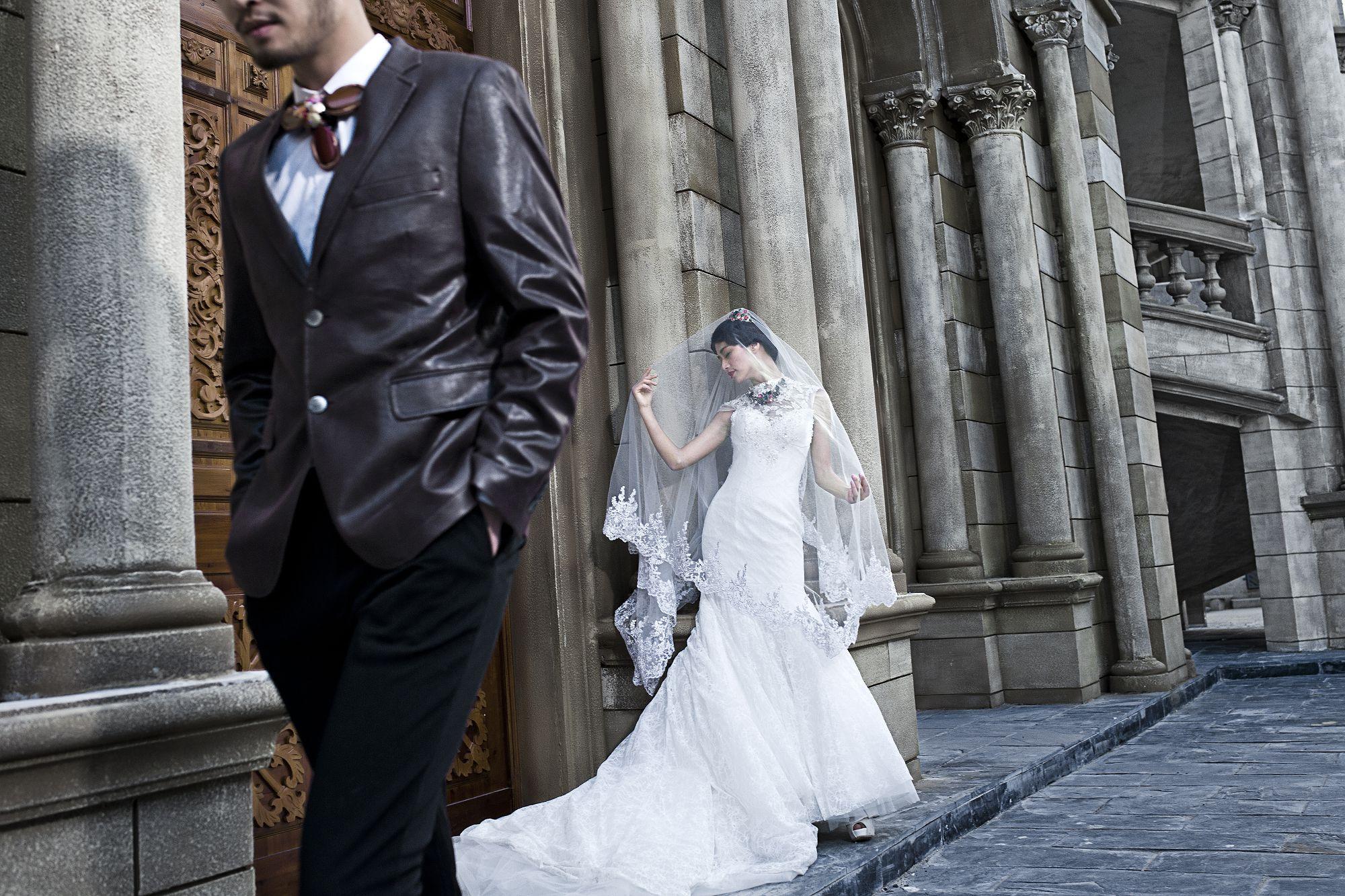 拍婚纱照选几套衣服比较合适,真的是越多越好吗?