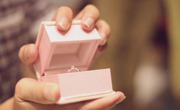 求婚戒指和结婚戒指有什么区别?