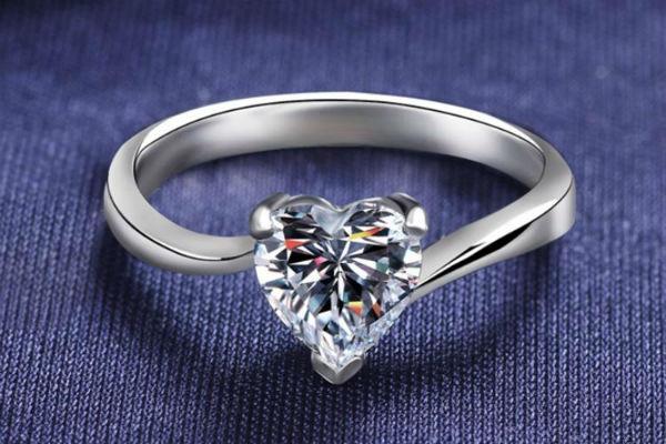 不同形状的钻戒,不一样的魅力诱惑!