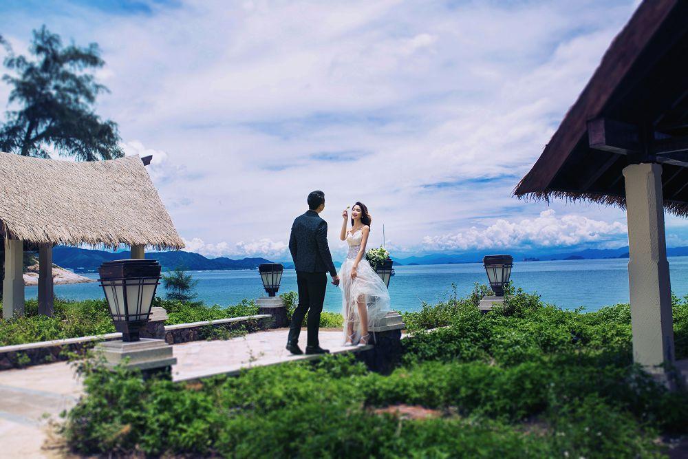 深圳婚纱摄影,新娘的礼服怎么样?