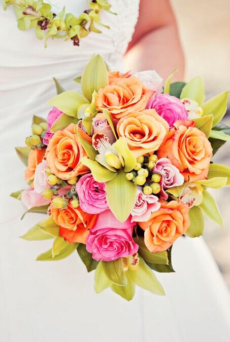 怎么选新娘的手捧花?
