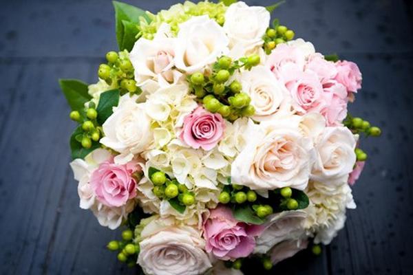 婚礼捧花原来不仅仅只有球形和圆形!