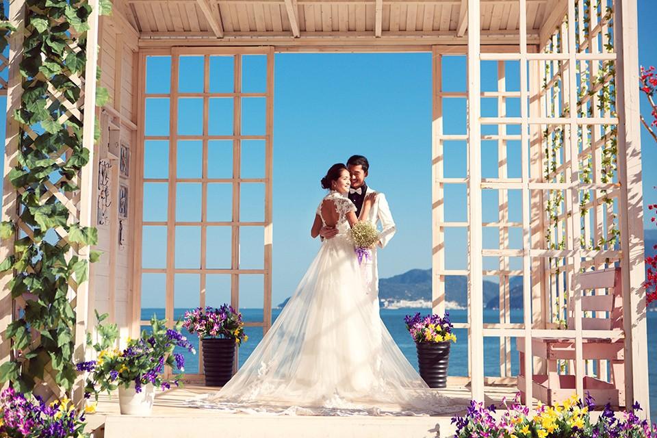 80后个性婚纱照,浓厚的复古风格可能更合适