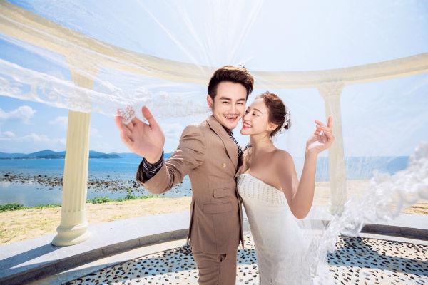 三亚旅拍婚纱照样片,来瞧瞧三亚旅拍都能拍啥