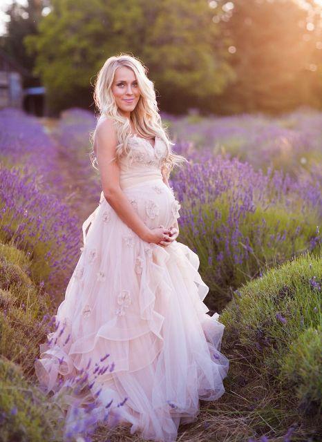 怀孕新娘的婚纱照也可以很美!