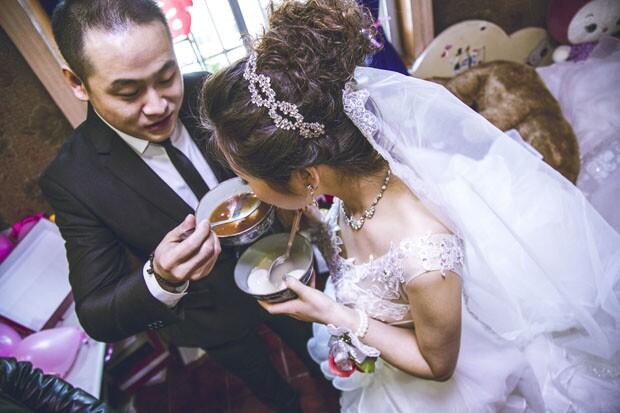 结婚当天新人在饮食方面的注意