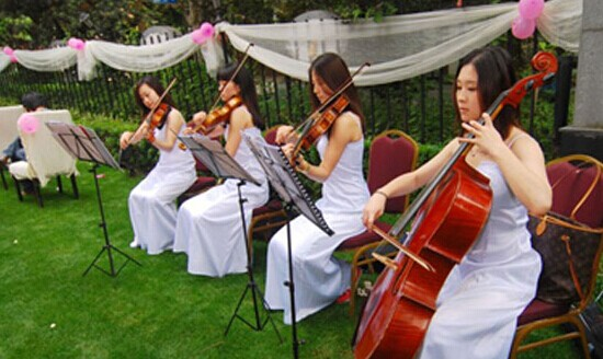 婚礼走红毯音乐 带着飞扬的心情举行婚礼
