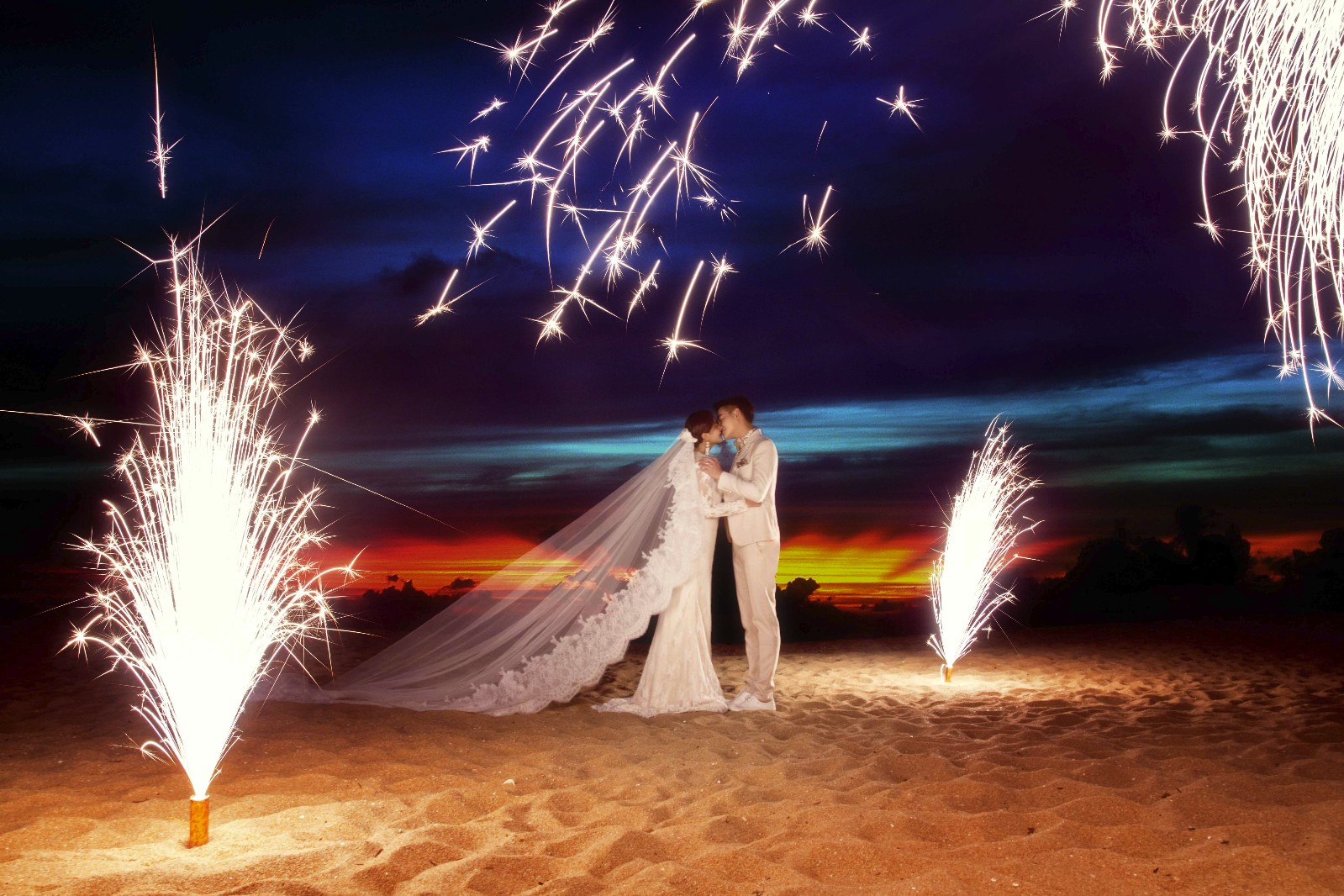 你知道在三亚拍一套婚纱照需要多少钱吗?