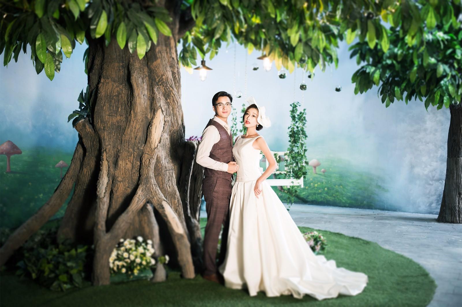 中式婚礼流程,蕴含了中国很多的礼节。