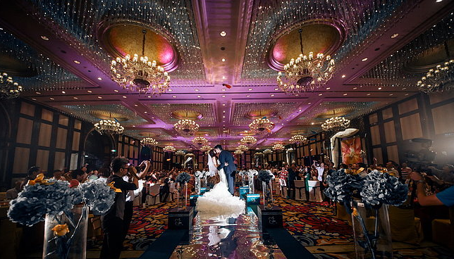 怎么打造高逼格的婚礼现场 分享感人婚礼