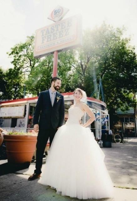 拍婚纱照怎么摆姿势?婚纱照pose大全