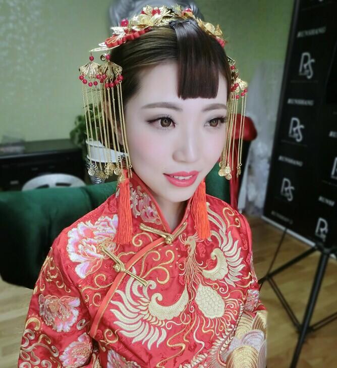 中式婚礼发型大比拼 妩媚造型亮相婚礼现场