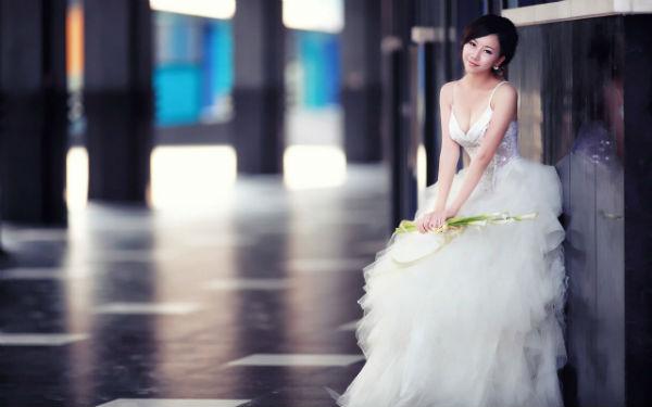 怀孕新娘如何选婚纱?孕妇拍婚纱照婚纱挑选攻略