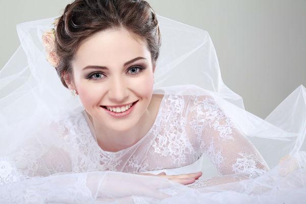 拍婚纱照怎么笑才好看又自然?