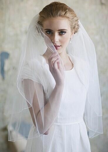 婚纱头纱佩戴方式 头纱要怎么戴