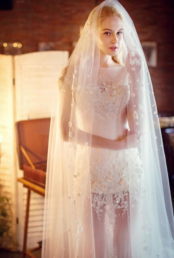 婚礼当天新娘的穿着搭配问题 婚礼猫
