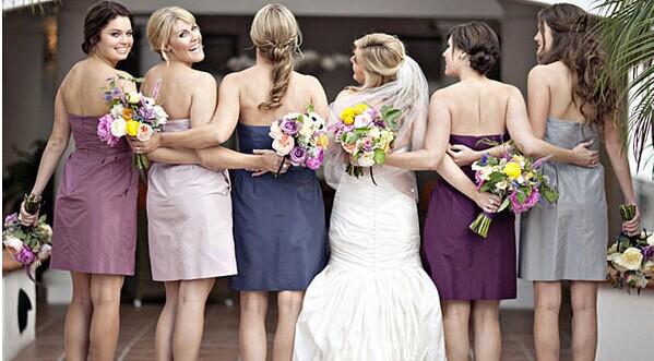 冬季伴娘礼服如何搭配 婚礼配角也能美美哒