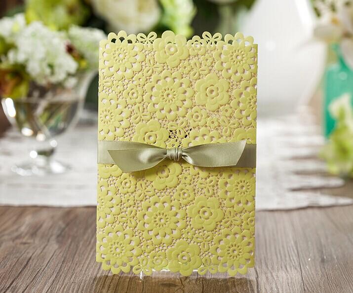 淡黄色的请柬,让婚礼小清新起来!