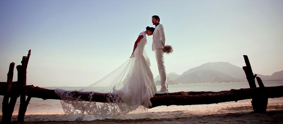 冬季婚纱礼服,适合的搭配也能让你在婚礼上夺人眼球