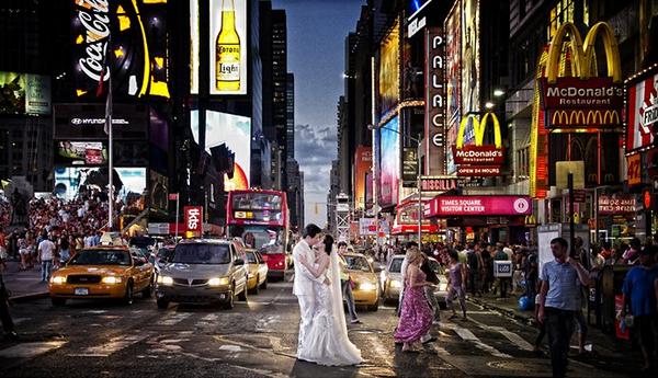 婚纱照怎么拍才好看?婚礼猫教你巧妙利用蓝光