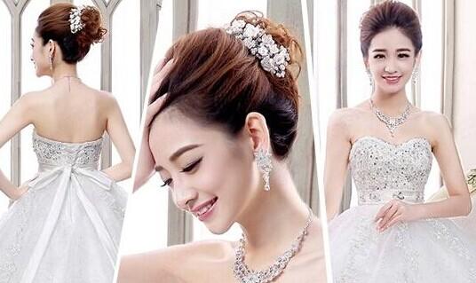 2015最新流行发型 各款好看的新娘发型