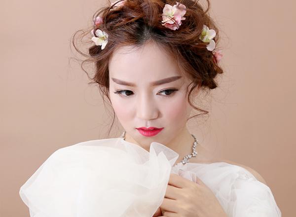 长脸新娘拍旅拍婚纱照化妆技巧