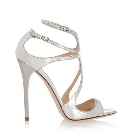 婚鞋穿之前该做些什么 婚鞋怎么穿才舒服