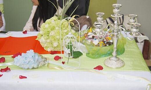 婚礼猫教你布置小型的婚礼场地 温馨浪漫元素用起来