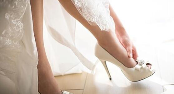 新买婚鞋穿着好难受?7招踢走新鞋刮脚烦恼!